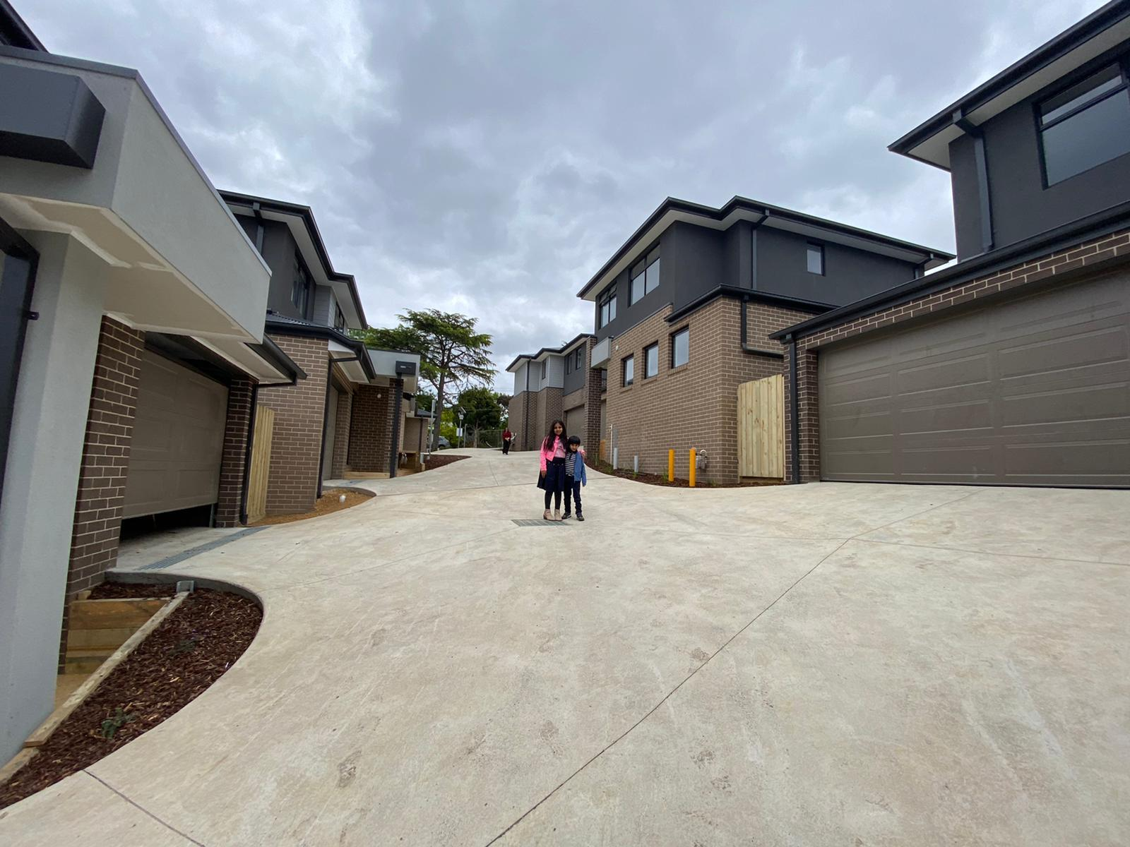 Summit court, mooroolbark